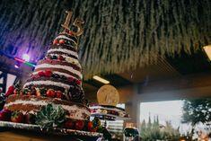 Ponqué Artesanal Christmas Ornaments, Holiday Decor, Home Decor, Xmas Ornaments, Christmas Jewelry, Christmas Ornament, Interior Design, Christmas Decorations, Home Interiors