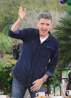 Craig Ferguson doesn't miss late-night TV Craig Ferguson, Late Night Show, Httyd, Late Nights, Man Humor, Haircuts For Men, How To Be Outgoing, How To Look Better, It Cast