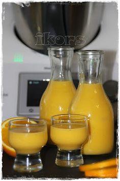 Eierlikör mit Orange     6 Eigelb (Größe L)   200 g Zucker   1 EL Vanillezucker   250 g Sahne   abgeriebene Schale einer Orange (unbeh...