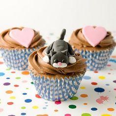 Cat & heart cupcakes :)