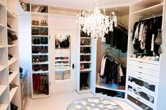 If I had a spare room, I would absolutely convert it to a walk-in closet like this. (And I'll do what I like, because I'll likely live alone for the rest of my life so I've no one else to please) (Except maybe my accountant)