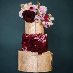 Golden crackle cake finish Beautiful Wedding Cakes, Beautiful Cakes, Amazing Cakes, Cupcakes, Cupcake Cakes, Cake Pop Tutorial, Colorful Desserts, Fantasy Cake, Wedding Cake Designs