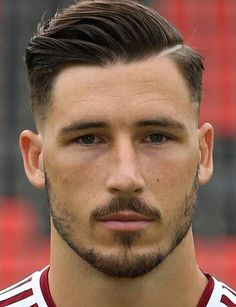 Mathew Leckie - Australie - Cool haircuts for men - Cheveux Trendy Mens Hairstyles, Mens Hairstyles With Beard, Undercut Hairstyles, Hair And Beard Styles, Hairstyles Haircuts, Popular Haircuts, Cool Haircuts, Haircuts For Men, Short Hair Cuts