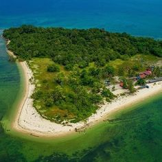 Pulau Rusukan Besar in Marine Park Photo by Labuan, Golf Courses, Instagram