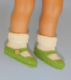 Knitting: Baby One Button Sock & Slipper Booties