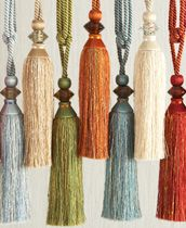 tie-back with tassels