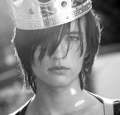 """crowns are THE """"in"""" thing for guys wear this summer.  I'm loving it."""