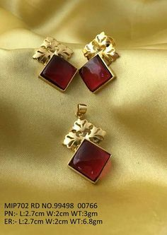 Garnet set for everyday wear India Jewelry, Gems Jewelry, Jewelery, Gemstone Jewelry, Gold Earrings Designs, Gold Jewellery Design, Garnet Jewelry, Jewelry Patterns, Designer Earrings