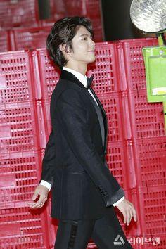 Bo Gum, Korean Actors, High Neck Dress, Dresses With Sleeves, Blazer, Long Sleeve, Jackets, Park, Sword