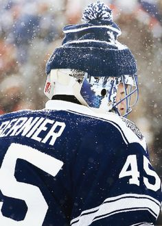 Jonathan Bernier, Toronto Maple Leafs, 2014 Winter Classic.