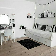 Honestly having a desk like that and a couch bed is just perfect Bedroom Decor For Teen Girls, Cute Bedroom Ideas, Cute Room Decor, Room Ideas Bedroom, Girl Bedroom Designs, Teen Room Decor, Ikea Girls Bedroom, Bedrooms, Daybed Room