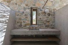 Gallery of Syros House / Katerina Tsigarida Architects - 4