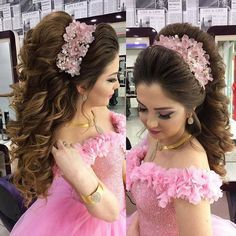 42 Ideas How To Style Long Hair Hairdresser Quince Hairstyles, Fancy Hairstyles, Bride Hairstyles, Ponytail Hairstyles, Vintage Hairstyles, Prom Hair Updo, Hairdo Wedding, Wedding Hair And Makeup, Bridal Hair Buns