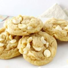 The ultimate white chocolate macadamia nut cookies. baked to soft and chewy perfection! White Chocolate Recipes, White Chocolate Macadamia, White Chocolate Chip Cookies, Oatmeal Raisin Cookies, Cookie Recipes, Dessert Recipes, Chef Recipes, Macadamia Nut Cookies, Delicious Desserts