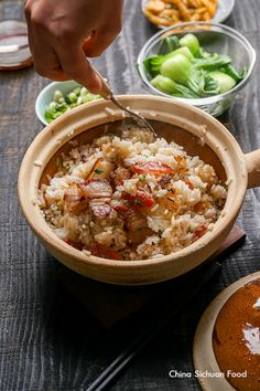 Hong Kong Style Clay Pot Rice with Chinese Sausages and Cured Pork Belly Claypot Recipes, Rice Recipes, Asian Recipes, Cooking Recipes, Healthy Recipes, Asian Foods, Cooking Time, Pots D'argile, Clay Pots