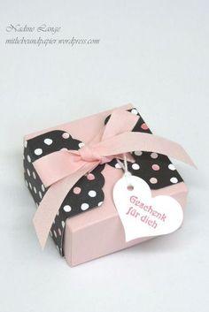 Workshopbericht Teil 3 – Geschenkschachtel (Stampin' Up! Diy Gift Box, Diy Box, Gift Tags, Gift Boxes, Stampin Up, Scrapbook Box, Scrapbooking, Fantasy Gifts, Paper Crafts Origami