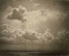 Gustave Le Gray (1820-1884)  Paesaggio marino, studio delle nuvole  1856-1857  Stampa su carta all'albumina da un negativo su lastra di vetro al collodio  Cm 32 x 39  Parigi, museo d'Orsay