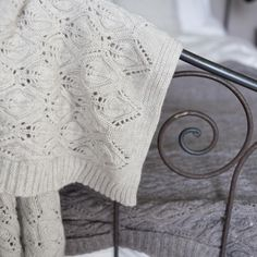 Flora Knitted Throw