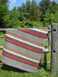 Learn to Weave: Tips and Advice from Etsy Experts - Etsy Journal Door Tags, Weaving Patterns, Textile Artists, Saag, Woven Rug, Bold Colors, Colorful Rugs, Contemporary Design, Hand Weaving