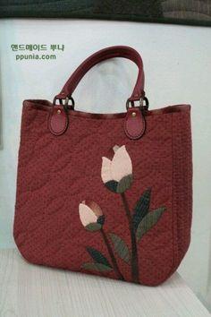 Work Handbag, Diy Handbag, Patchwork Bags, Quilted Bag, Leather Bags Handmade, Handmade Bags, Japanese Bag, Sweet Bags, Embroidery Bags