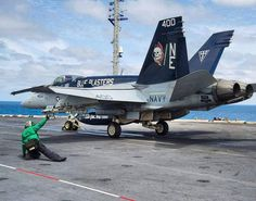 #Repost @usnavyaircraftcarriers  Getting the thumbs up aboard USS George Washington CVN 73 @USNAVY #aircraftcarrier #USNavy #fighteraircraft @usnavy_tailhook by militarytopics