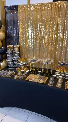 Holiday parties 199002877272554479 - Black and gold desert table with black and gold balloon columns Source by antiqvarenne Diy Birthday Backdrop, 50th Birthday Party Decorations, Gold Birthday Party, Golden Birthday, 40th Birthday Parties, 25 Birthday, Summer Birthday, Wedding Parties, Birthday Decor For Him