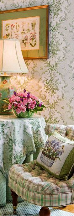Beautiful summery English country design.Traditional Home Magazine