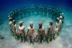 Underwater sculptures off the coast of Mexico. Artwork by Jason deCaires Taylor.