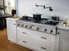 Thermador Kitchen Gallery : Pots on Pro Rangetop