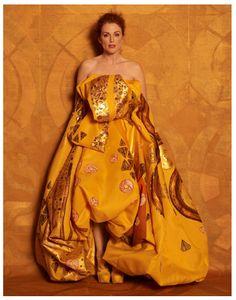 Julianne Moore by Peter Lindbergh as Adele Bloch Bauer I by Gustav Klimt