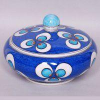 Iznik Ceramics and Tiles Turkey Art, Sugar Bowl, Arts And Crafts, Ceramics, Antiques, Modern, Gold, Painted Ceramics, Ceramica