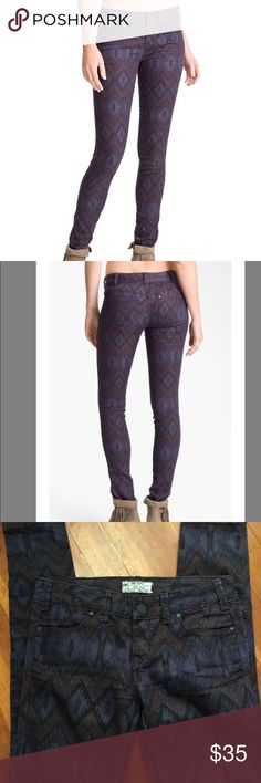 FREE PEOPLE - Ikat Aztec Print Purple Skinny Jeans FREE PEOPLE Purple Aztec Ikat Print Skinny Jeans - Size 25  EXCELLENT CONDITION!!  Retail - $88.00 and are SOLD OUT!!  Check out my other listings!! Bundles welcome!! Thank you!!  Free People Jeans Skinny