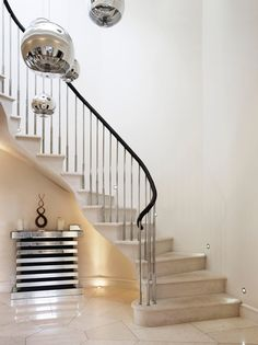 #Marmor oder #Granit #Treppen sind praktisch unzerstörbar - es ist eine große Investition für eine schöne, zeitlose Optik für viele Jahre.   http://www.arbeitsplatten-naturstein.de/treppen-naturstein-treppen