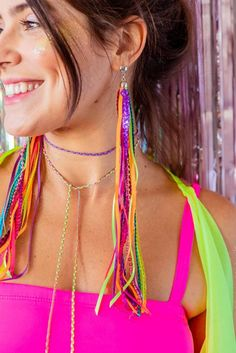 Brinco Neon | Novo Ateliê Abc Party Costumes, Carnival Costumes, Dance Costumes, Diy Carnaval, Diy Fashion, Fashion Beauty, Carnival Booths, Teen Beauty, Pretty Halloween