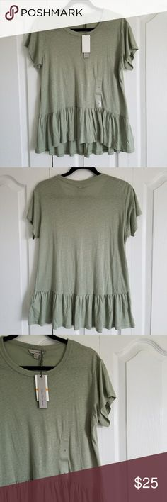 Calvin Klein Jeans Green Peplum T-Shirt Cute and soft Calvin Klein Jeans peplum top. Pale green and relaxed style top. Perfect with jeans and and a long necklace for a social Friday at work. Size S. Brand new with tags! 🌸Final Price🌸 Calvin Klein Jeans Tops Tees - Short Sleeve