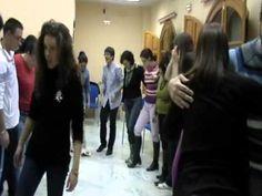 el baile del periódico - YouTube