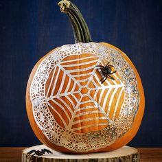 no carve pumpkin ideas - Spiderweb Pumpkin Pumpkin Ideas, A Pumpkin, Pumpkin Carving, Easy Halloween Crafts, Up Halloween, No Carve Pumpkin Decorating, Decorative Plates, Pumpkin Carvings