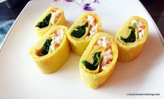 Rolled egg side dish recipe, spinach & crab meat 시금치 맛살 계란말이 #koreanfood #koreancooking #koreanrecipe #lovekoreanfood #koreanegg #koreanvegetarian   http://crazykoreancooking.com/recipe/rolled-egg-side-dish-recipe-spinach-crab-meat