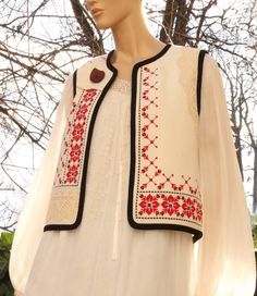 Abaya Fashion, Indian Fashion, Fashion Dresses, Sari Blouse Designs, Kurta Designs, Stylish Dress Designs, Stylish Dresses, Embroidery Fashion, Polish Embroidery