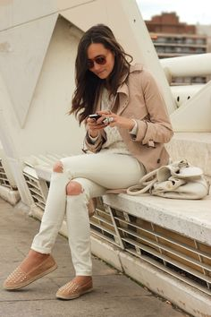 COOHUCO: IN WHITE & CAMEL