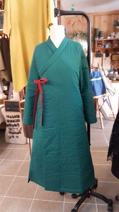 원피스 두루마기 만들기 앞으로 보면 두루마기 뒷모습은 원피스 코트같은 원피스같은 두루마기원피스입니다 Korea Fashion, Cold Shoulder Dress, High Neck Dress, Womens Fashion, Clothes, Asia, Dresses, Turtleneck Dress, Outfits