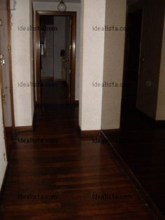 imagen vestíbulo de piso en Calle regueros, 6