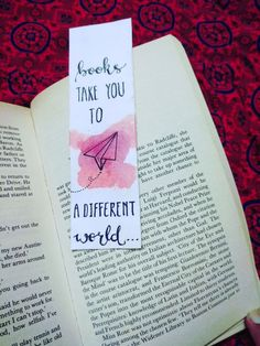 Bookmarks Quotes, Cool Bookmarks, Homemade Bookmarks, Creative Bookmarks, Bookmark Craft, Homemade Journal, Paper Bookmarks, Corner Bookmarks, Cute Crafts