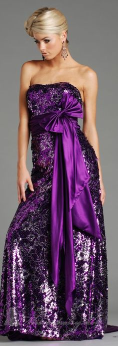 Jolene high couture ~ the color story of purple - sexy in purple evening gown for a formal event - Dazzle yourself to look like a Princes Purple Love, Purple Lilac, All Things Purple, Shades Of Purple, Purple Dress, Purple Stuff, Women's Dresses, Dress Vestidos, Couture Dresses