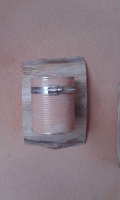 Contenedor hecho con lata de durazno
