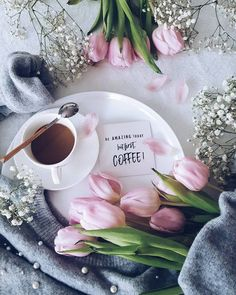 Image in coffee ☕ قهوة collection by YASMIN 🌱 Coffee And Books, Coffee Art, Coffee Cups, Flat Lay Photography, Coffee Photography, Good Morning Flowers, Good Morning Images, Good Morning Coffee, Coffee Break