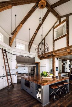 A gorgeous farmhouse style home on Big Cedar Lake This page has some very useful information about home design and decor. Deco Design, Küchen Design, Design Ideas, Modern Design, Layout Design, Contemporary Design, Design Homes, Light Design, Design Trends