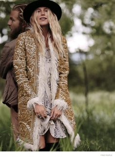 Snuggly layers, knee high boots, Dree Hemingway!