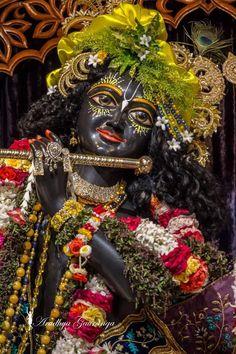 Radha Krishna Images, Lord Krishna Images, Krishna Art, Illustrations, God, Halloween, Dios, Radha Krishna Pictures, Illustration