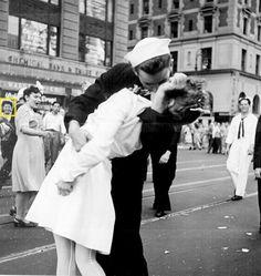 """""""胜利之吻""""是几点被拍下的?"""